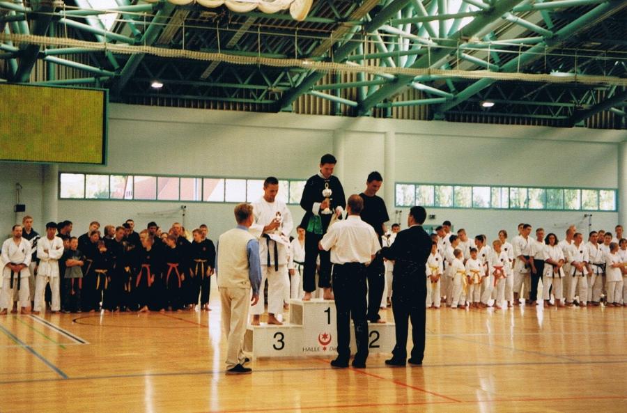 DM Halle 2000