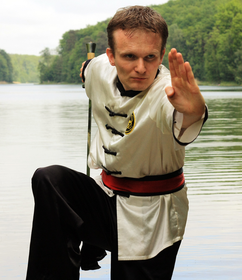 Meister Stefan Buchhorn mit dem Säbel