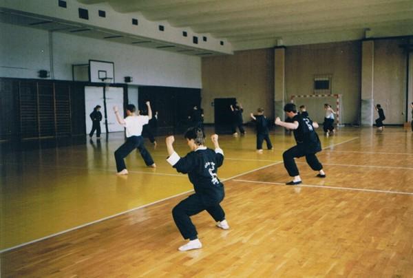 Training in der Turnhalle Rhinstraße Anfang der neunziger Jahre